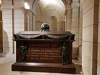 Tombe de Voltaire au Panthéon.jpg