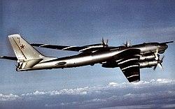 Tupolev Tu-95 Bear side view aft 1984.jpg