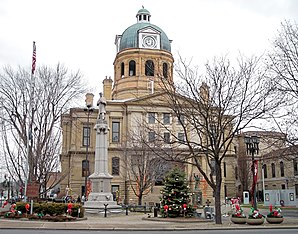 Tuscarawas County Courthouse in New Philadelphia, gelistet im NRHP mit der Nr. 73001544[1]