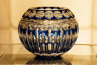 Vase En Cristal De Boheme Rectanulaire Decor Ef Bf Bd De Fleurs