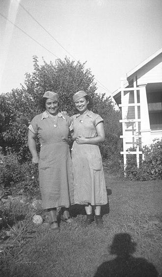 Hunt's - Image: Val Vita Foods workers Fullerton, California 1940