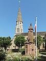 Valdoie, église Saint-Joseph met oorlogsmonument foto1 2013-07-22 10.18.jpg