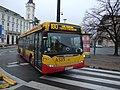Varšava, Śródmieście, plac Teatralny, bus MHD Scania.JPG