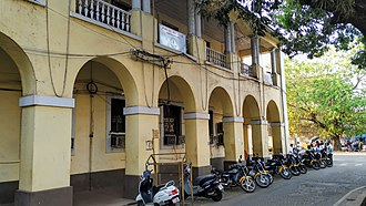 Vasco da Gama, Goa - Image: Vasco Motorcycle Taxi Stand and Municipal School