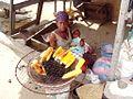 Vendeuse de maïs braisé.jpg