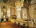...строит церкви, переделывает дворцы, создает фабрику по производству...