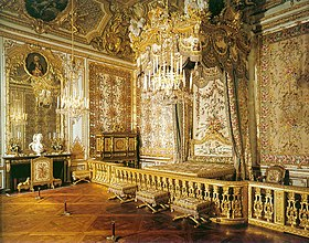 The Queen's bedchamber. There is a barely discernible hidden door in the corner near the jewel cabinet by Schwerdfeger (1787) through which Marie Antoinette escaped the night of 5/6 October 1789 when the Paris mob stormed Versailles.
