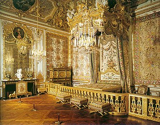 Gold (color) - The Queen's bedchamber in the Versailles Palace.