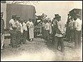 Verwundetentransport mit der Feldbahn bei Grodno, 1916.jpg