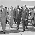 Vice-President van Suriname J Pengel in ons land De heer J de Quay ter begroe, Bestanddeelnr 915-2425.jpg