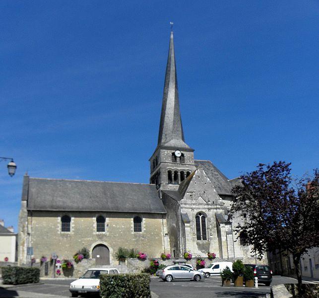 Église Saint-Symphorien du Vieil-Baugé (49). Vue méridionale.