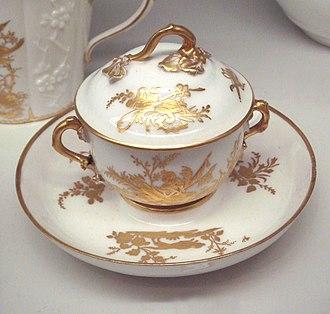 Vincennes porcelain - Vincennes soft porcelain cup, 1750-1752.
