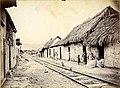 Voie de chemin de fer traversant la ville de Puerto de la Cruz.jpg