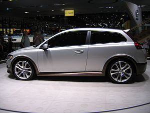 Volvo C30 Concept Car - Flickr - robad0b (3).jpg