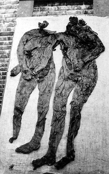 File:Weerdinge-men 1904.jpg