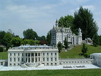 Replicas of the White House - Image: White House, Neuschwanstein models Minimundus