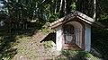 Wiki takes Nordtiroler Oberland 20150605 Laich(Loach)kapelle, Dreifaltigkeitsbildstock Stams 6971.jpg