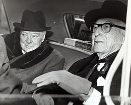 Winston Churchill and Bernard Baruch talk in car in front of Baruch's home, 14 April 1961.jpg