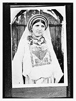 Woman wearing traditional Arab clothing LOC matpc.13820.jpg
