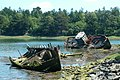Wrakken van schepen nabij Benodet (cropped).jpg