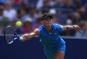 Yanina Wickmayer volley.JPG