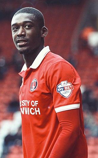 Yaya Sanogo - Sanogo playing for Charlton Athletic in 2016