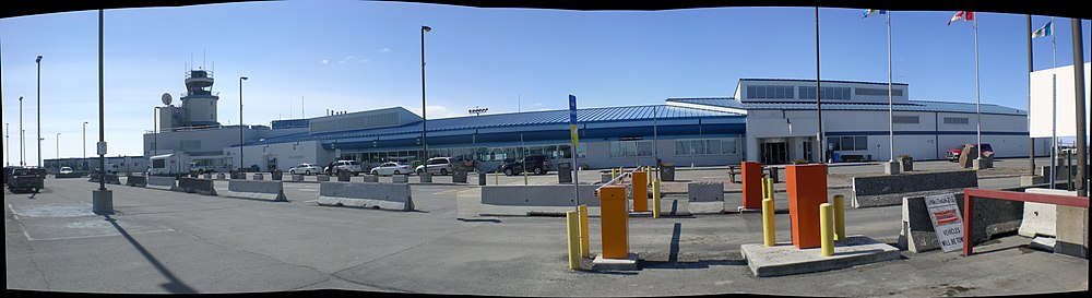 Uncropped picture of Yellowknife Airport from the car park