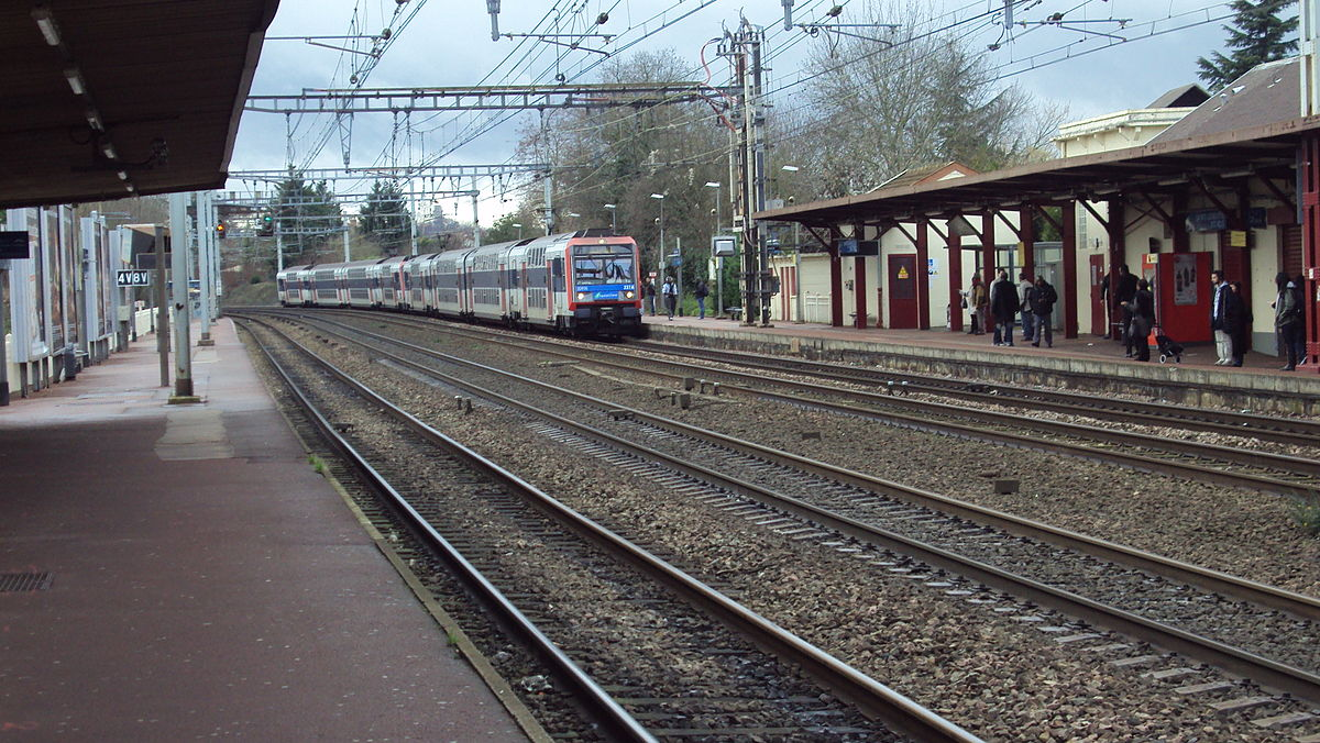 Sainte genevi ve des bois station wikipedia - Piscine st genevieve des bois ...