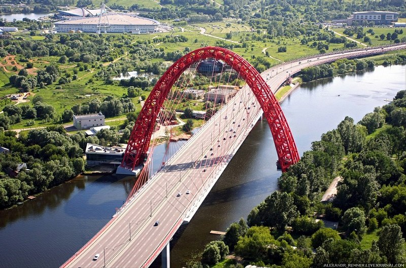 Zhivopisny Bridge1