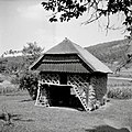 """Kozuc toplar"" (dvojni kozolec), pri Amažniku, Gornji Križ 1957.jpg"