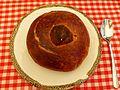 Żurek w chlebie z jajkiem i białą kiełbasą (1).jpg