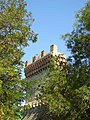 Башня Константина среди листвы.JPG