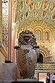 Интерьер Исторического музея, геральдический щит в лапах символического льва.jpg