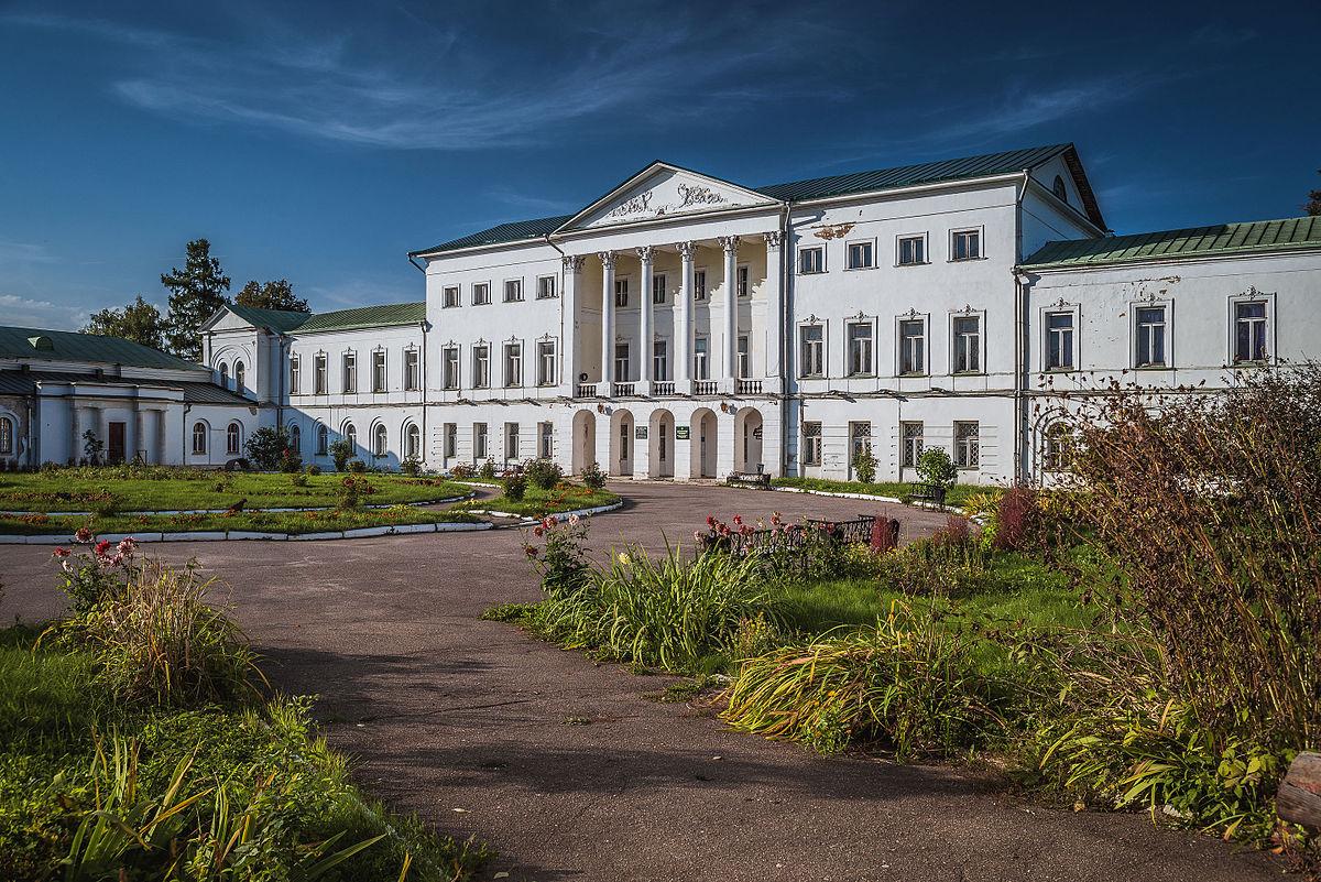 Главный дом усадьбы Ивановское в Подольске. Автор - Сссеееррргггеееййй