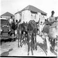 אורון נושאים- מירוץ חמורים ירושלים ( 20.1.1933) . ( חצר ימקא ה- Y.M.C.A ) .-PHO-1355330.png