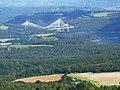 01 L'Aulne et le nouveau pont de Térénez vus du sommet du Ménez-Hom.JPG