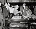 10-10-1957 14731 02b Jayne Mansfield (4114740944).jpg
