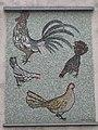 1170 Höhenstraße 6 - Karl Panek-Hof - Wandmosaik Hühner von Hans Robert Pippal 1956 IMG 2041.jpg
