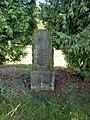143. Bor - pomník věnovaný padlým 4. východopruského granátnického pluku č. 5, a to poddůstojníku Neumannovi a granátníkům Frietznerovi, Gottscha.jpg
