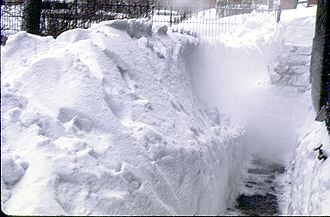 1967 Chicago blizzard - Snowbank of blizzard