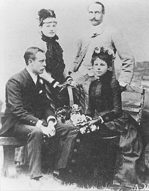 Maud Watson - Maud Watson, sitting, on the right