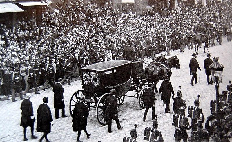 File:1er juin 1885 - Enterrement Victor Hugo.jpg