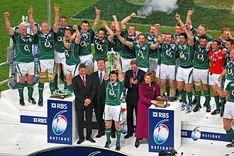 2009 Six Nations Championship - Brian O'Driscoll lifting the Six Nations cup