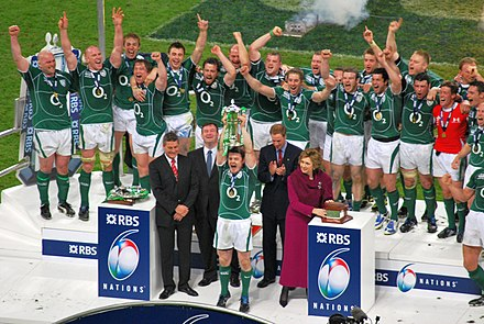 Brian O'Driscoll lifts the 2009 Six Nations Grand slam trophy. 2009 Six Nations Champions - Ireland.jpg