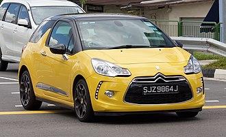 DS 3 - Image: 2010 Citroën DS3 (MY10) 1.6 VTI D Style Plus 3 door hatchback (2016 01 05) 01