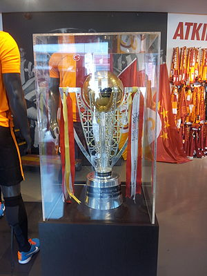 Süper Lig - Current design of the Süper Lig Trophy, in use since 2015.