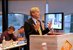 Steven de Vreeze - Addressing the municipality council of Oude IJsselstreek, April 2015