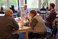 2015-05-06 Arbeitsgruppe im Wikipedia-Büro Hannover beim Treffen mit dem taz.die tageszeitung-Journalisten Leif Hanke.jpg