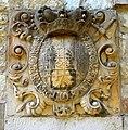 2016-09-12 ehemaliges Brauhaus in Ruthe, Schlosswappen des Fürstbischofs Clemens August von Bayern.jpg