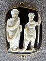 263 arte tardoromana, due figure, forse con l'imperatore eugenio, calcedonio, IV-V sec. ca..JPG